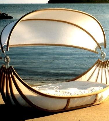 Seaside Canopy Bed, California
