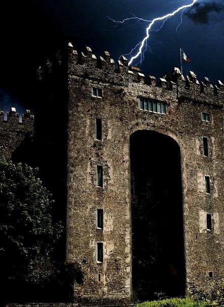 Lightning Bolt, Bunratty Castle, Ireland