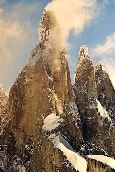 Snow Peaks, Cerro Torre, Argentina