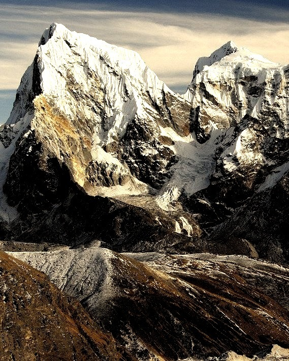 Giants of the Himalayas, Cholatse and Taboche peaks, Nepal
